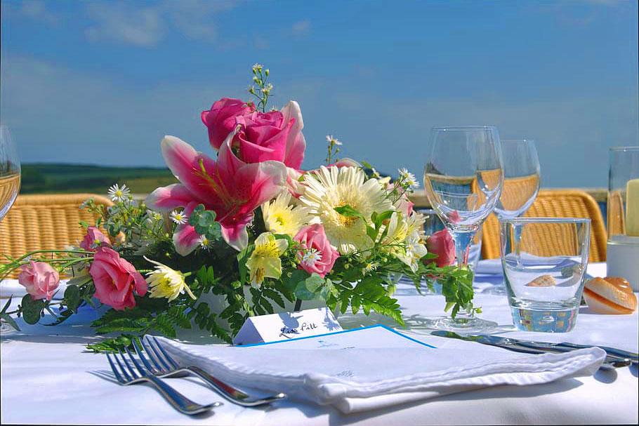 table-bouquet-wedding